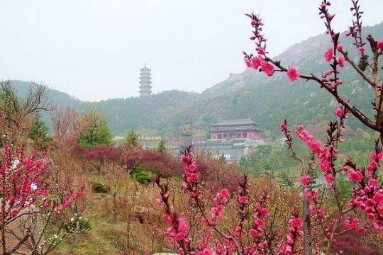 5小时),游览国家aaaa级旅游景区【 赤山风景区】(2-3小时),这里山因石